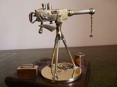 WW1 TRENCH ART 1918 VICKERS MACHINE GUN DESK LIGHTER