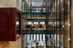 O'Donnell + Tuomey links new and old buildings of Budapest university
