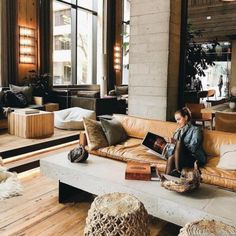 Welcome to 1 Hotel Brooklyn Bridge - a sustainable, nature-inspired Brooklyn hotel with waterfront views of the Manhattan skyline. Lobby Interior, Cafe Interior, Interior Modern, Best Interior, Interior Architecture, American Interior, Hotel Lounge, Lounge Bar, Lounge Areas