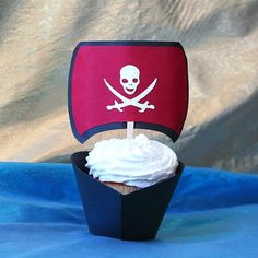 Pirate cupcake. Ship wrapper