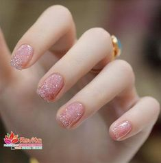 40 Lustrous Shimmer Nail Art For Gorgeous Nails We have come up with some outstanding Shimmer Nail Art designs to simply blow your mind away and you can simply stand unique at parties with these on! Cute Nail Art, Cute Nails, My Nails, Pink Nails, Nail Swag, Best Nail Art Designs, Beautiful Nail Designs, Manicure Gel, Best Acrylic Nails