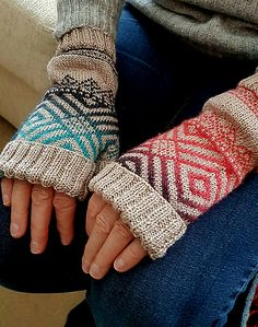 Ravelry: Inspired Mitts pattern by Fran Carle