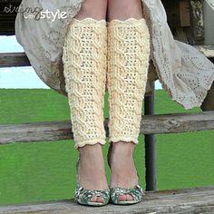 Cables of Love Leg Warmers: Free crochet leg warmers pattern Crochet Boot Cuffs, Crochet Leg Warmers, Crochet Boots, Crochet Slippers, Crochet Clothes, Crochet Cable, Free Crochet, Crochet Granny, Crochet Winter
