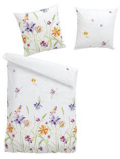Das hübsche Blumenwiese-Dessin garantiert süße Träume! Beidseitig bedruckt. Mit Reißverschluss. Aus 100% Baumwolle. Garnitur: 1 Bett- und 1 Kissenbezug, ca. 80/80 cm....