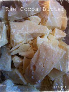 DIY: Cocoa & Vanilla Bath Melts - YUM! Homemade Beauty, Diy Beauty, Raw Cocoa Butter, Bath Melts, Diy Scrub, Diy Skin Care, Recipe Using, Soap Making, Bath And Body