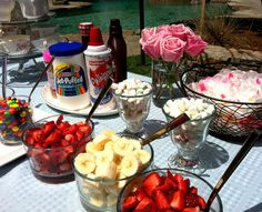 Make your own Ice Cream Sundae Bar.i love this idea for wedding reception :) - Julie Moran - Make your own Ice Cream Sundae Bar.i love this idea for wedding reception :) Make your own Ice Cream Sundae Bar.i love this idea for wedding reception :) - Sundae Bar, Comida Para Baby Shower, Wedding Reception Food, Ice Cream Social, Stewart, Icecream Bar, Ice Cream Party, Dessert Bars, Snacks