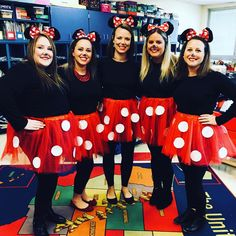 DIY Halloween Costumes for Work that are Simply Perfection - Ethinify Work Group Halloween Costumes, Cute Group Halloween Costumes, Teacher Costumes, Funny Costumes, Cute Halloween Costumes, Easy Halloween Costumes, Group Costumes, Girl Costumes, Halloween Diy