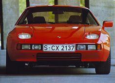 Porsche 928   by Auto Clasico