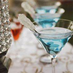 A roundup of one of the most popular wedding trends: signature cocktails. {Photo by Bella Fotografica}