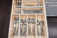 If digging through your kitchen drawers to grab the right utensil is a daily struggle, then you will love these homemade drawer dividers. Rather than carelessly stuffing your utensils in drawers, make these Budget Friendly DIY Drawer Organizers! Wooden Drawer Organizer, Drawer Inserts, Kitchen Drawer Organization, Kitchen Drawers, Drawer Organisers, Kitchen Pantry, Diy Kitchen, Kitchen Storage, Kitchen Decor