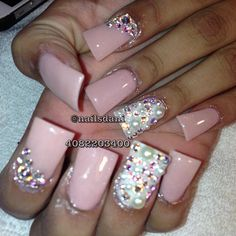 soft powder pink with Bling :D Get Nails, Love Nails, How To Do Nails, Hair And Nails, Fabulous Nails, Gorgeous Nails, Pretty Nails, Garra, French Nails Glitter