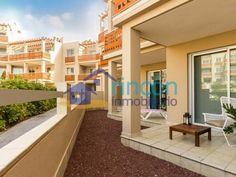 Último piso de 3 dormitorios a La Tejita, Tenerife: 124 m2 con vista a la piscina a 220.000 €