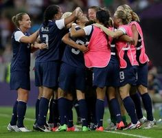 Gators Abby Wambach and Heather Mitts help the U.S. win Olympic Gold in soccer