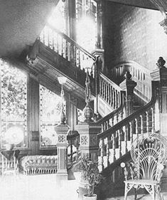 ideas for house victorian interior stairs Victorian Interiors, Victorian Architecture, Vintage Interiors, Classic Architecture, Victorian Life, Victorian Decor, Victorian Homes, Victorian Furniture, Interior Stairs