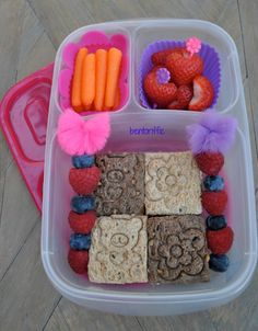Bentoriffic: Four Square girly lunch, @EasyLunchboxes