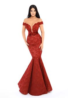 Zola Keller has the best selection of evening gowns! Get yours today, call 954-462-3222 🔥🔥  #red #eveninggown #dress #holidayseason #fashion