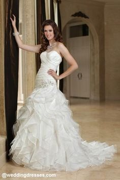 Really cute wedding dress I love it!!!!!!!