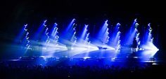 Production designer/show director/lighting programmer Jeremy Lechterman for Alt-J shares gear list and photos from their show at The Arena in London. Stage Lighting Design, Stage Design, Design Show, Set Design, Design Ideas, Media Specialist, More Photos, Multimedia, Digital Art
