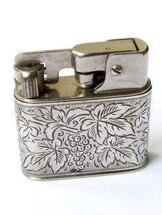 Vintage 1000 Zunder SemiAutomatic Petrol Lighter by RobsRarities, £59.95