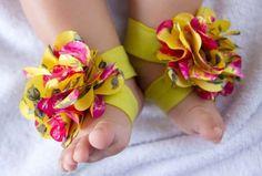 Barefoot Baby Sandals Pattern - Infant Barefoot Sandals Tutorial -  Make Your Own Barefoot Baby Sandals Tutorial. $6.50, via Etsy.