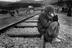 Kosovan refugees, Macedonia, 1999 - by Cristina Garcia Rodero Spanish Spanish Woman, Refugee Crisis, Syrian Refugees, Photographer Portfolio, Female Photographers, Magnum Photos, Photojournalism, Personal Photo, People Like