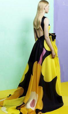 Marimekko Unikko print 50 years old Finland Vintage Dresses, Vintage Outfits, Vintage Fashion, Pretty Outfits, Beautiful Outfits, Beautiful Clothes, Marimekko Dress, Evening Dresses, Summer Dresses