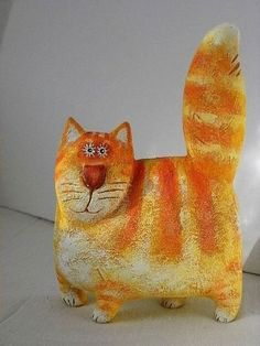 Diy Paper Mache Animals Ideas New Ideas Paper Mache Projects, Paper Mache Clay, Paper Mache Sculpture, Paper Mache Crafts, Sculptures Céramiques, Sculpture Art, Art Projects, Ceramic Animals, Clay Animals