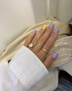 "Nicole Huisman på Instagram: ""💅🏼 #nails #pastel #jewelry"""