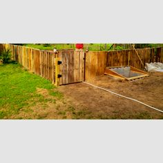 Garden fence made from pallets