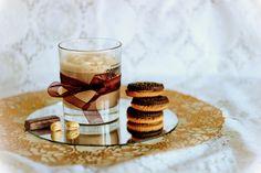 Кофейный молочный коктейль с ванильным сахаром!  Coffee milkshake with vanilla sugar!