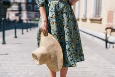 Fits every body type. Very comfortable to wear every day. Summer Story, Linen Dresses, Flower Dresses, Feminine Style, Body Types, Mario, Midi Skirt, Style Inspiration, Elegant
