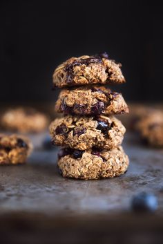 One bowl vegan & gluten free blueberry breakfast cookies! They taste exactly like a blueberry muffin! Packed with chia, flax, oats, walnuts & more!