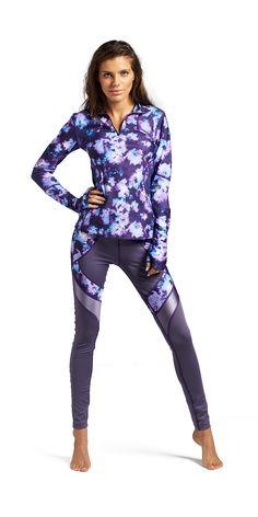 Perfekcyjnie, mocno przylegające do ciała legginsy Bluebell podniosą komfort Twojego porannego biegu. Miękka, dopasowana dzianina idealnie przylega do ciała, a specjalna szeroka guma dba o Twoją wygodę i doskonały wygląd. Zaskocz siebie i innych, wyróżnij się z tłumu. Legginsy dostępne w dwóch kolorach: czarnym i fioletowym.  *Legginsy Bluebell zostały wykonane z dzianiny zawierającej aperturę <b> ITOFINISH KELP </b> - dzianina dzięki swojej dynamicznej elastyczności aktywnie modeluje…