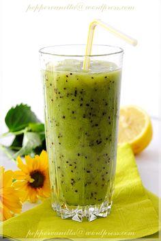 Koktajl z kiwi i banana Homemade Protein Shakes, Easy Protein Shakes, Protein Shake Recipes, Healthy Diet Recipes, Smoothie Drinks, Fruit Smoothies, Kiwi, Nutella, Coctails Recipes