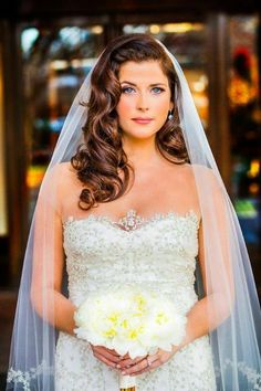 Best Wedding Hairstyles For Long Hair With Vail Bridal Updo 39 Ideas Wedding Hairstyles For Long Hair, Bride Hairstyles, Vintage Hairstyles, Down Hairstyles, Hollywood Hairstyles, Hairstyle Ideas, Fringe Hairstyle, Short Hairstyle, Trendy Hairstyles