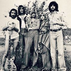 Great picture of Fleetwood Mac (posted by @instaclassicrock) #fleetwoodmac…