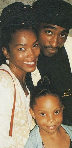 Nosee Rosee: OLDIE BUT GOODIE: Angela Bassett and Tupac