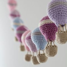 """Inspiration-Crochet hot air balloon garland dusty pink violet shabby by byGuGUIRNALDA DE GLOBOS hiddenmeadowcrochet: """" podkins: """" Ooooo this is gorgeous! Crochet Hot Air Balloon Garland This is just for inspiration as there isn't a pattern, but you Crochet Bunting, Crochet Garland, Crochet Diy, Crochet Decoration, Crochet Amigurumi, Crochet Home Decor, Love Crochet, Amigurumi Patterns, Crochet Crafts"""