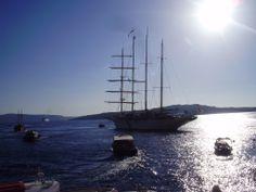 Fotografía: Adriana Santana Varela Mykonos, Santorini, Adriana Santana, Sailing Ships, Madrid, Spain, Boat, Vacation, Greek Isles