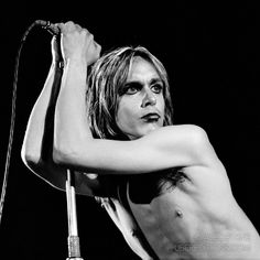 Iggy Pop, London, 1972 by Alec Byrne Iggy Pop, Surf Music, My Music, Iggy And The Stooges, Detroit Rock City, Soul Punk, Glam Slam, Fandom, Music Photo