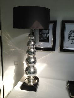 1000 images about woonkamer inrichting new hollywood wit on pinterest hollywood toulouse and met - Grote tafellamp ...