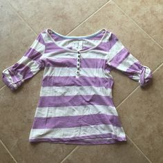 Casual Striped Top This is a cute and causal go-to top. It is perfect for any spring day. H&M Tops Tees - Short Sleeve