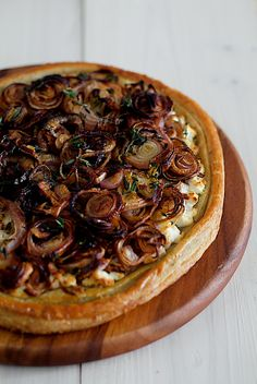 So into caramelized onions right now. I want to make this with feta and grilled artichoke hearts.