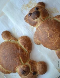 Bake-a-Bear Bread! The cutest recipe for kids you've seen in a long time.  http://thecookscook.com/emagazine/2014-06/html5/index.html?page=16 From our June-July issue.