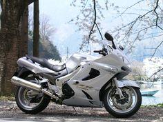 Kawasaki repair and service instructional book Quad, Kawasaki Bikes, Honda Cbr 1000rr, Biker Boys, Hot Bikes, Super Bikes, Street Bikes, Biker Style, Vintage Motorcycles