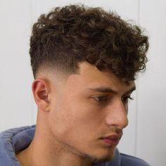 Fade Haircut Curly Hair, Low Fade Haircut, Wavy Hair Men, Curly Hair Cuts, Medium Hair Cuts, Curly Hair Styles, Taper Fade Curly Hair, Haircut Short, Haircuts For Balding Men