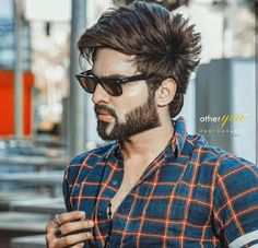 Which type of matching dress wear to look sexy ? Mens Hairstyles With Beard, Boy Hairstyles, Hair And Beard Styles, Haircuts For Men, Long Hair Styles, Indian Men Fashion, Mens Fashion Suits, Brunette To Blonde, Brown To Blonde