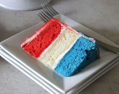How to Make a 4th of July Patriotic Cake, How to Make a 4th of July Patriotic Cake, http://cakejournal.com/tutorials/easy-patriotic-4th-july-cake/
