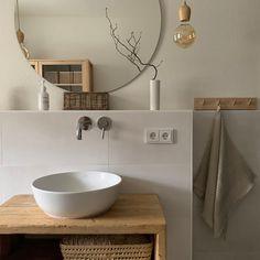 Cosy Bathroom, Bathroom Inspo, White Bathroom, Mirror Bathroom, Small Bathroom, Bathroom Furniture Design, Bathroom Design Inspiration, Upstairs Bathrooms, Home Staging