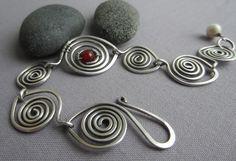 Silver Hammered Bracelet w. Carnelian/ Silver Wire by mese9